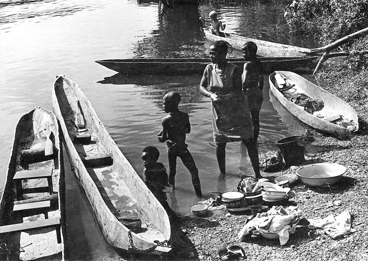 african_canoes